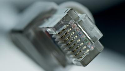 Kun teet verkon nopeustestin, voit itse määritellä mitä palvelinta nettinopeuden määrittämiseen käytetään.