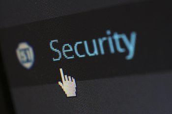 Virustorjunta ja antivirus ohjelmat saa helposti myös netistä. Vertaa paras antivirus ohjelmisto omalle koneelle.